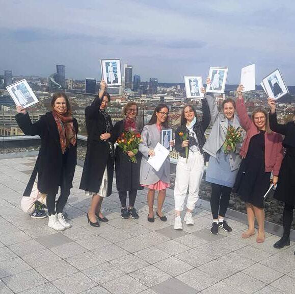 Diplomai konstruktoriaus – sukirpėjo programos absolventėms